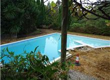 Composite Decking surrounding swimming pool