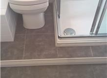 Close Coupled Toilet, Tiled Floor